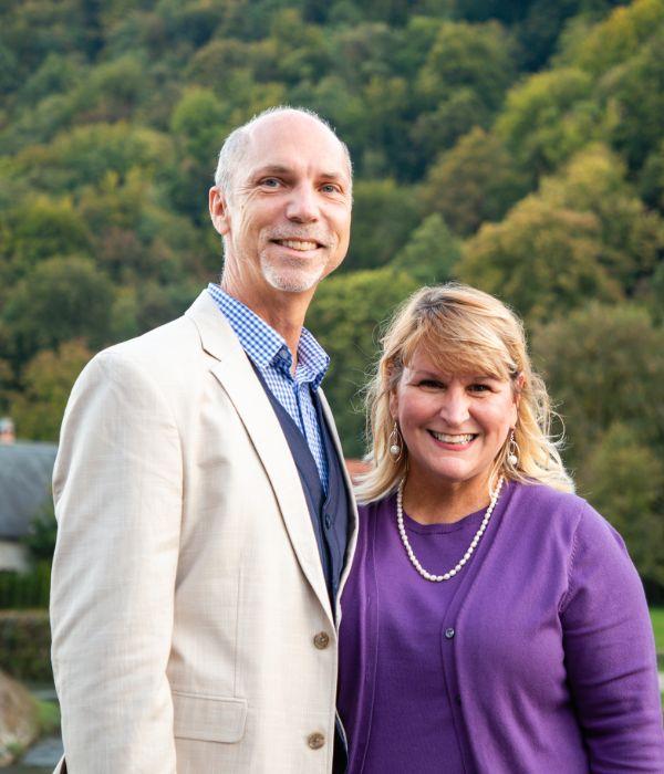 Scott & Dr. Jayne Cuidon